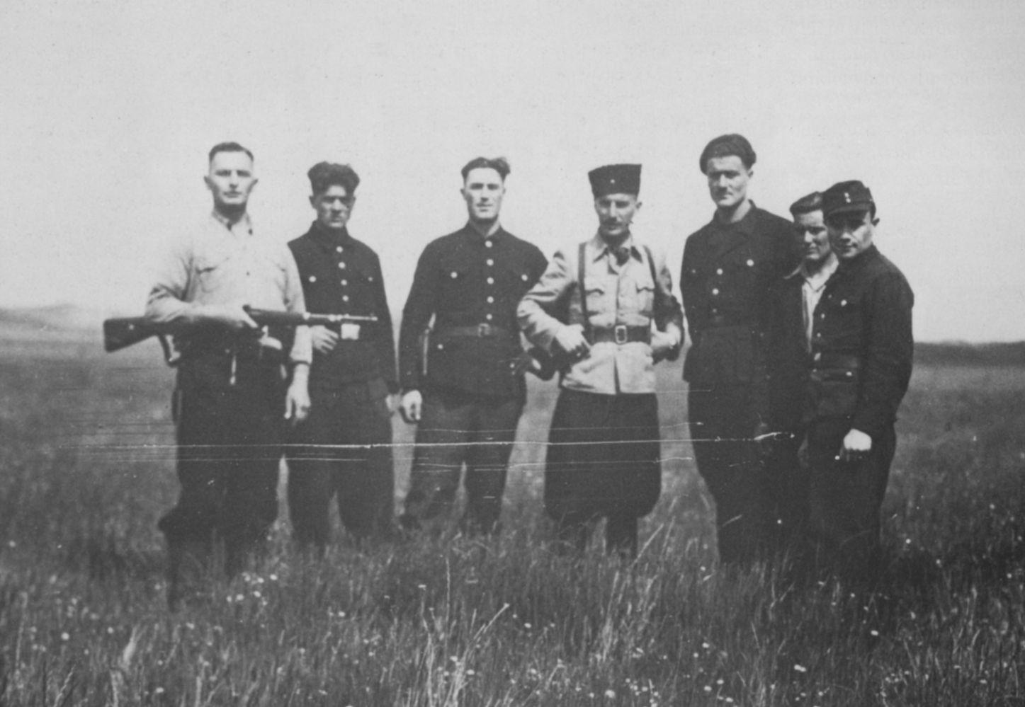Georgische krijgsgevangenen op Texel, Tweede Wereldoorlog, 1945. Foto via LOMT.